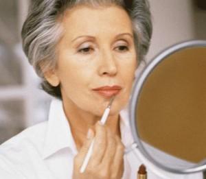 красивая пожилая женщина